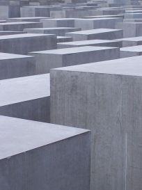 Pomnik-ofiar-holocaustu-w-Berlinie