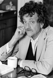 Kurt-Vonnegut (everythingwasvonnegut.com)