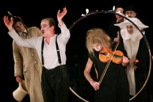 """""""Burza"""" w reżyserii Janusza Wiśniewskiego na scenie Teatru Nowego (źródło: teatralia.com.pl)"""