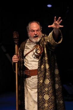 Michael Winters jako Prospero (fot. John Ulman)