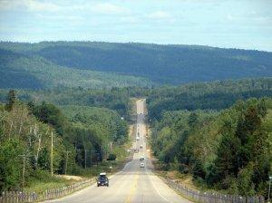 Autostrada w pobliżu Bissett Creek w prowincji Ontario (fot. wikimedia)